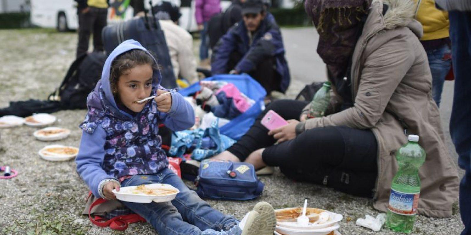 Alemania es el país que mayor apoyo ha dado a refugiados. En los primeros 6 meses de 2015, Berlín recibió 171 mil 785 peticiones de asilo y aceptó el 43% de ellas. Foto:Getty Images