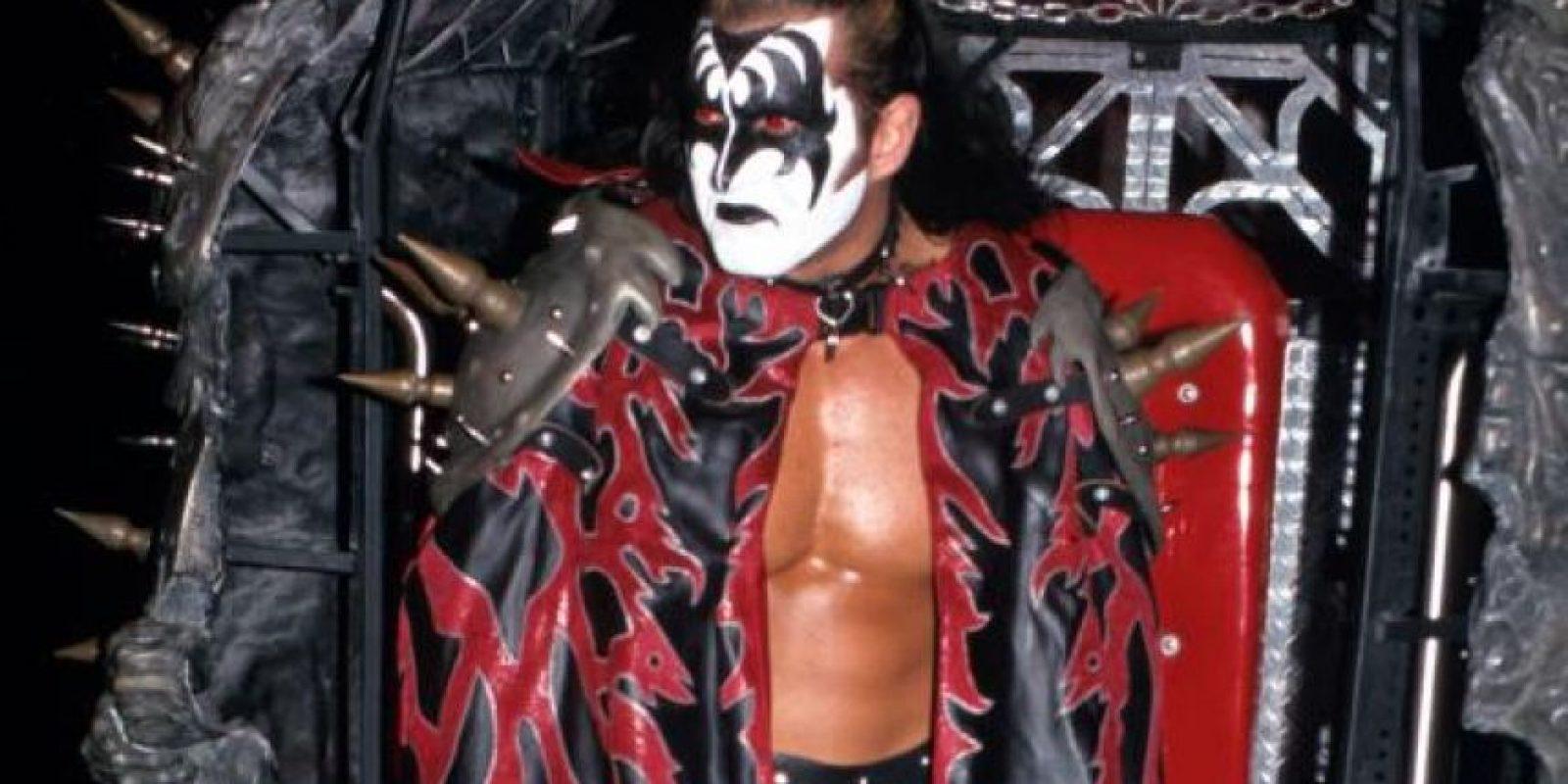 "Utilizaba el mismo maquillaje que Gene Simmons, líder de la banda ""KISS"" Foto:WWE"