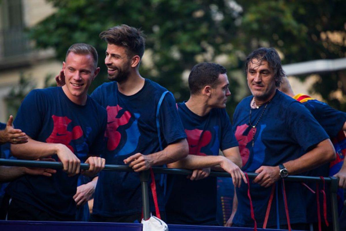 """Barcelona ganó el triplete (Liga, Copa del Rey y Champions) y durante la celebración, Piqué tomó el micrófono y recitó la famosa frase """"Gracias Kevin Roldán, contigo comenzó todo"""". Foto:Getty Images"""