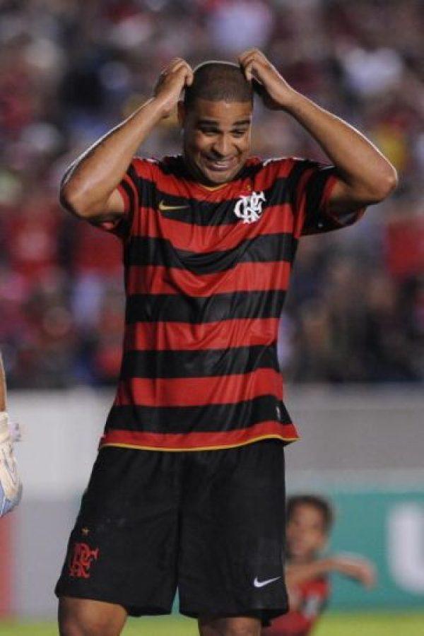 El contrato que firmó el delantero incluía un sueldo de 465 reales brasileños (108 euros), pero le pagarían 20 mil euros por cada partido disputado, además de bonos por cada gol convertido, por si salía campeón e incluso, si era llamado a la Selección de Brasil. Foto:Getty Images