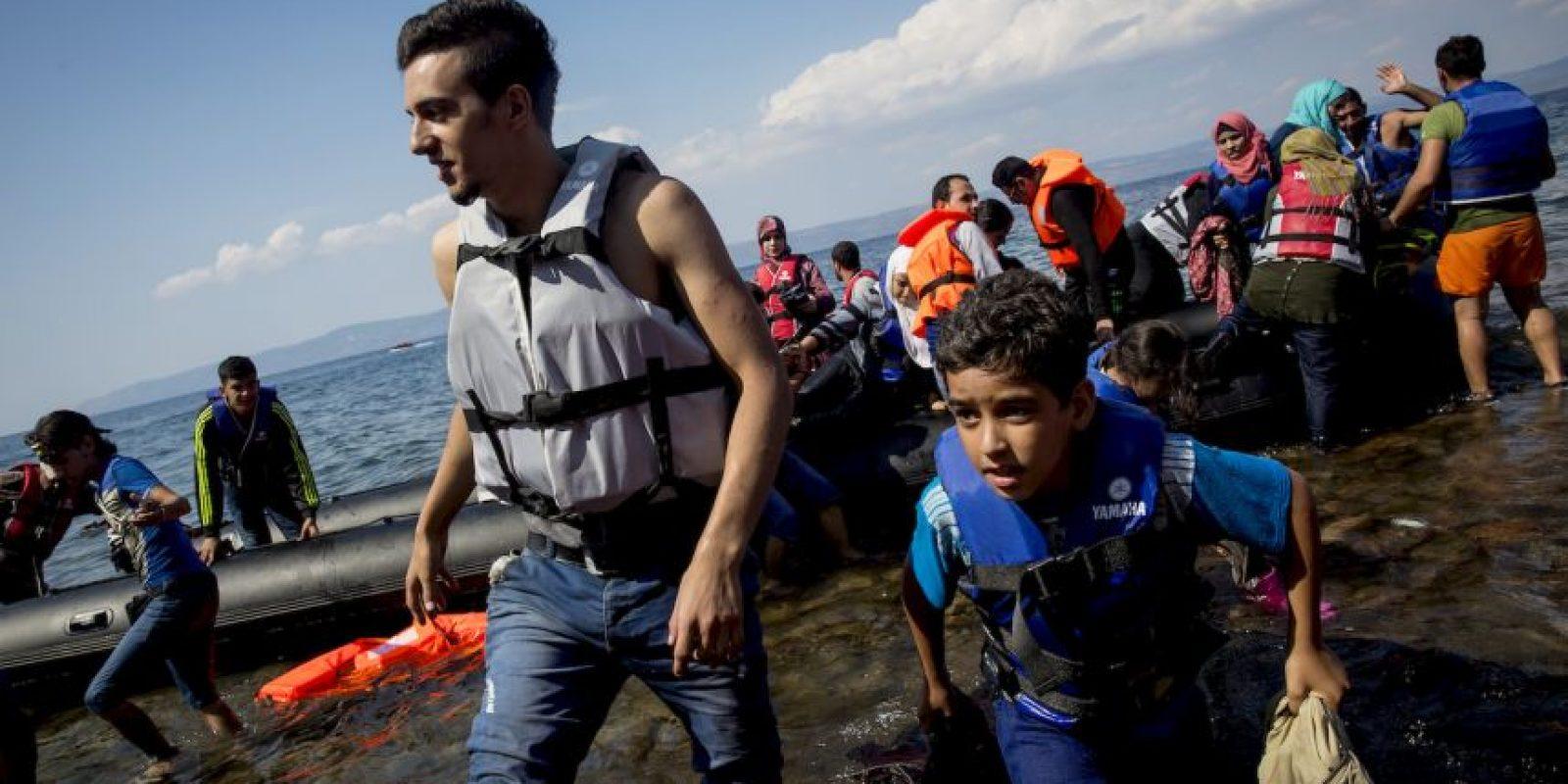 La mayoría de ellos llegan sin pertenencias, solo con algunos artículos que lograron rescatar. Foto:Getty Images