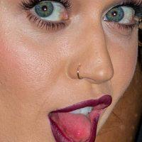 Katy Perry y sus poros. Foto:vía Celebrity Closeup/Tumblr