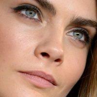 El sudor de Cara Deleivngne. Foto:vía Celebrity Closeup/Tumblr