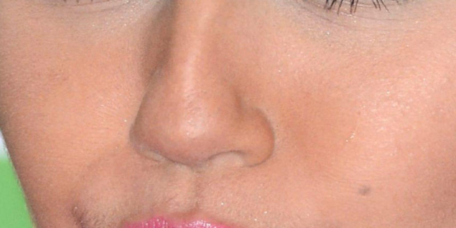 La arruga de la comisura de Miley Cyrus. Foto:vía Celebrity Closeup/Tumblr