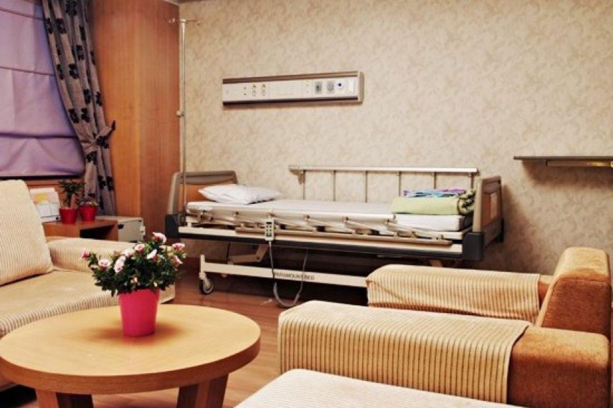 Combina entretenimiento con los servicios médicos Foto:Facebook.com/WooridulSpineHospital
