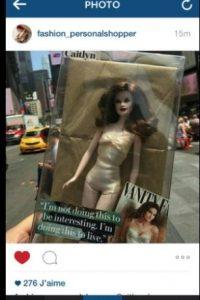 5.- Incluso inspiró a la creación de una muñeca de juguete. Foto:vía twitter.com