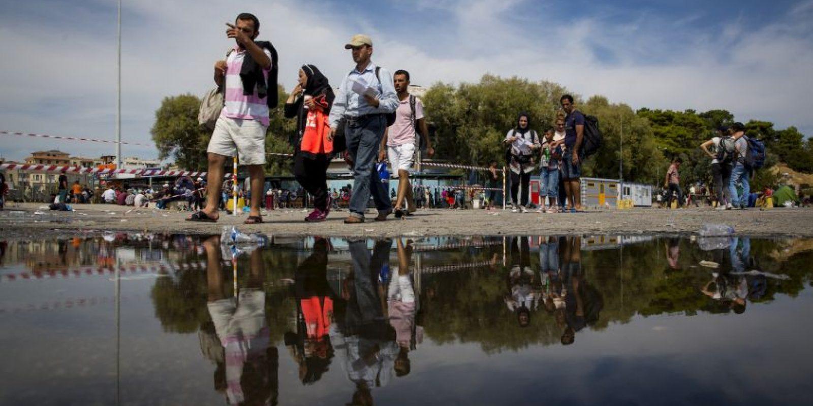 Los Estados Contratantes expedirán documentos de identidad a todo refugiado que se encuentre en el territorio de tales Estados y que no posea un documento válido de viaje. Foto:Getty Images