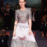 Este Chanel es una obra de arte, pero Kristen Stewart le dio un estilismo predecible. Foto:vía Getty Images