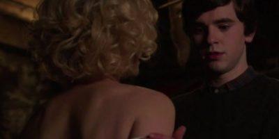 Está basado en el asesino serial Ed Gein. Foto:vía Universal Pictures