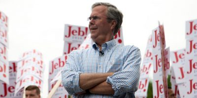 Video: Jeb Bush se burla de Donald Trump