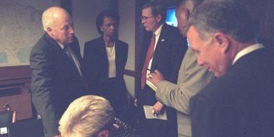 En dichas imágenes se puede observar la reacción del entonces presidente, George W. Bush, el vicepresidente Dick Cheney, entre otros funcionarios como la ahora exsecretaria de Seguridad, Condoleezza Rice. Foto:Vía Flickr.com/usnationalarchives