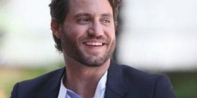 "El director Joe Carnahan adaptaría la novela ""Killing Pablo"", del cronista Mark Bowden Foto:Vía twitter.com/edgarramirez25"