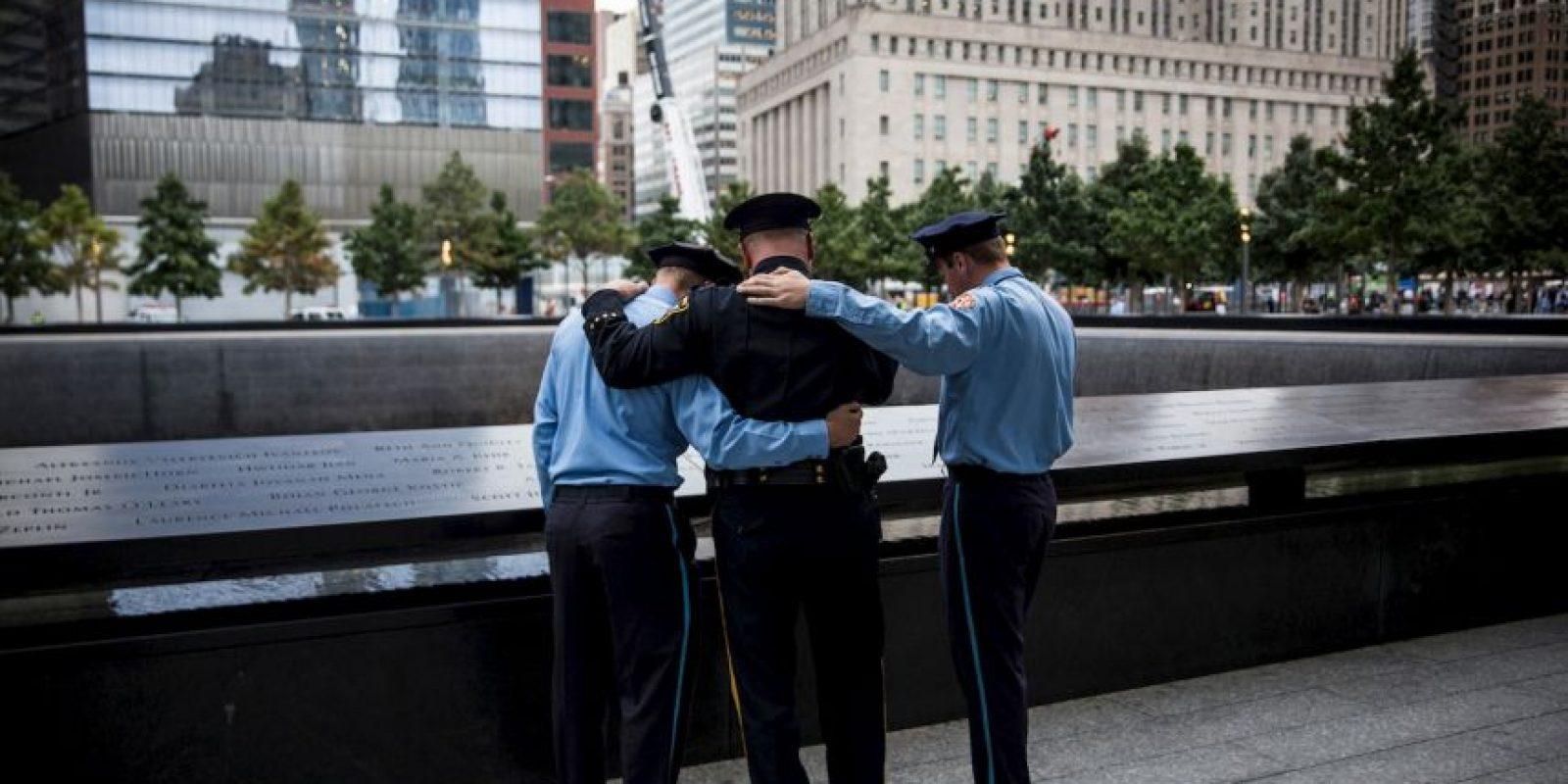 Los ciudadanos visitan la zona cero para recordar a los fallecidos en el atentado. Foto:Getty Images