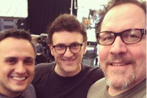 """Los hermanos y directores de """"Capitán América"""", Joe y Anthony Ruso, en el set con Favreau Foto:vía instagram.com/jonfavreau"""