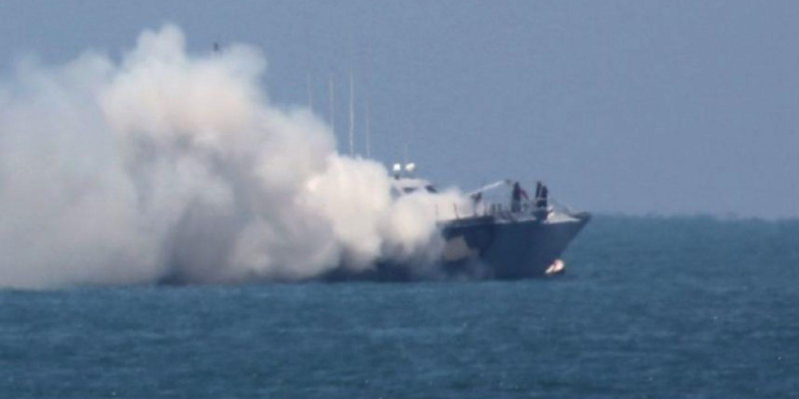 El Ejército egipcio aclaró que el ataque comenzó cuando un buque guardacosta intercambió disparos con militantes a casi tres kilómetros de la costa norte de Sinaí, la zona fronteriza entre Israel y la zona de Gaza. Foto:AFP