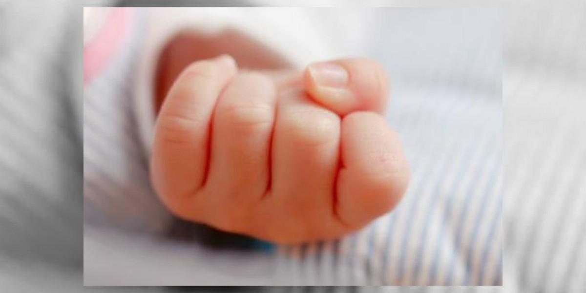 Muere bebé de siete meses olvidado por su padre en el interior de su vehículo
