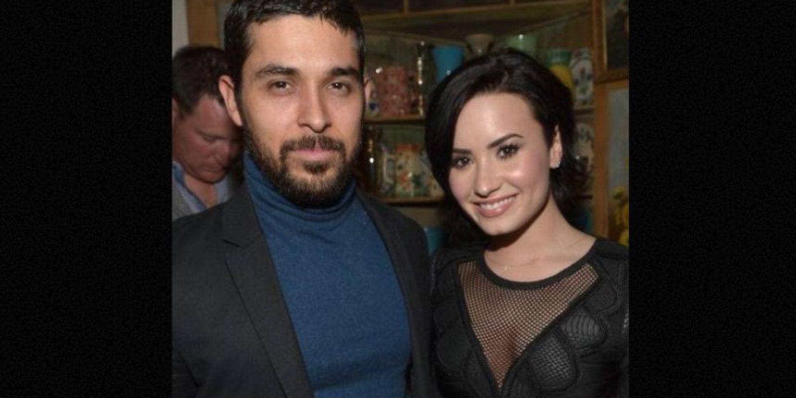 Cuando la actriz y cantante salió de rehabilitación en el 2011 se dio a conocer que ella y Wilmer habían retomado su relación. Foto:Getty Images