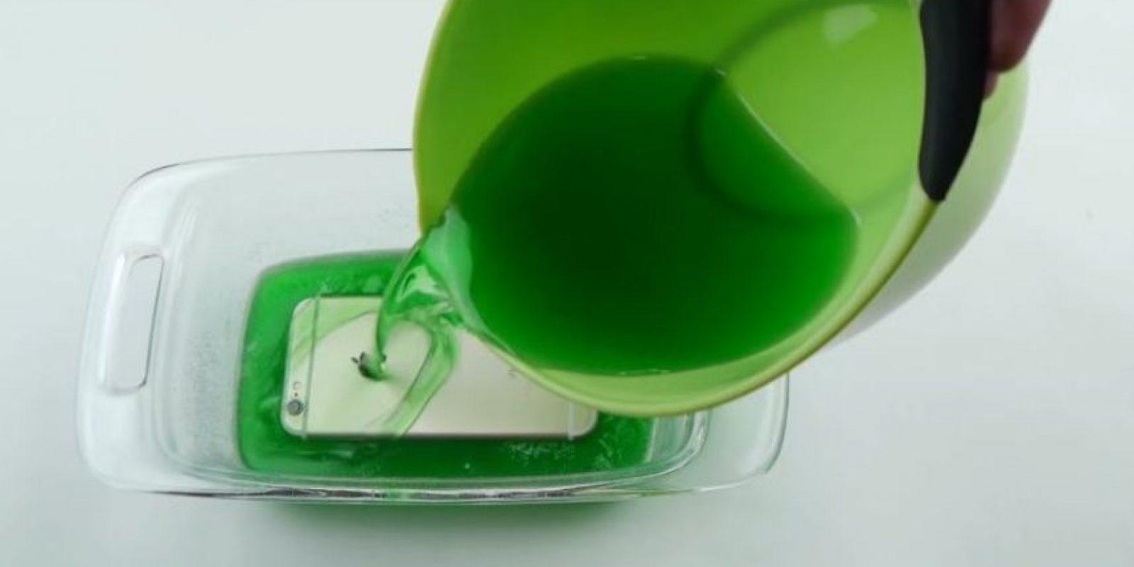 1) Cubierto con gelatina. Foto:vía TechRax / YouTube