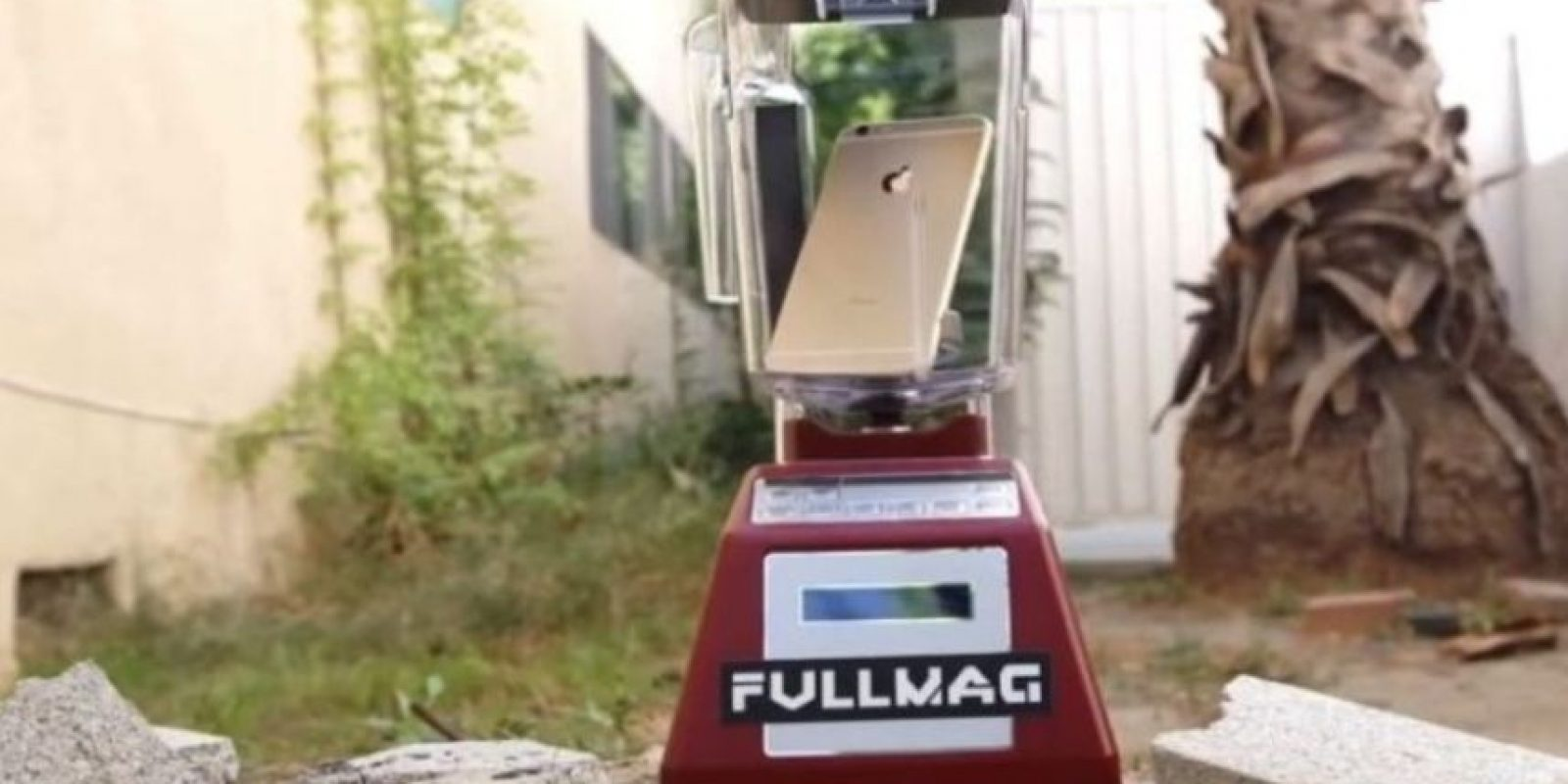 La licuadora ante el iPhone 6. Foto: vía FullMag / YouTube