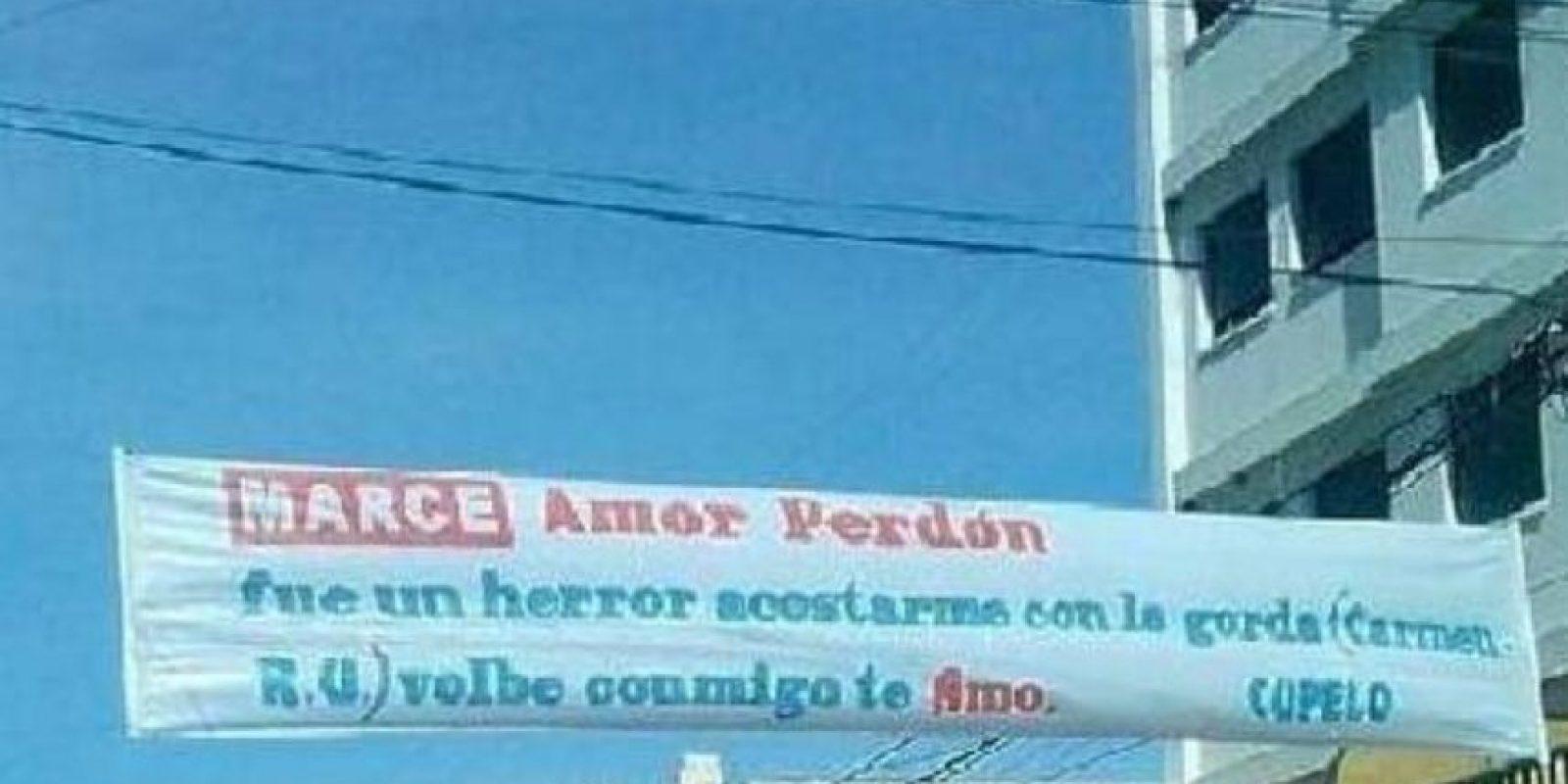 """""""Error"""" es sin """"h"""". """"Volvé"""" es con """"V"""". Foto:vía Facebook"""