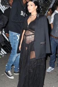 Pero lo exuberante y vulgar está en el vestido. Foto:vía Getty Images