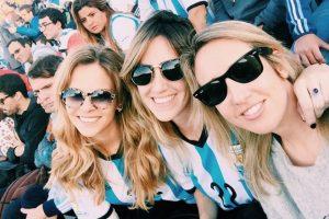 """Ambos vivieron el """"boom"""" del """"Pocho"""" durante el Mundial de Brasil 2014, en el que se convirtió en el """"sex symbol"""" del fútbol argentino gracias a sus selfies y fotos en redes sociales en las que mostraba su cuerpo. Foto:Vía instagram.com/yanaisok"""