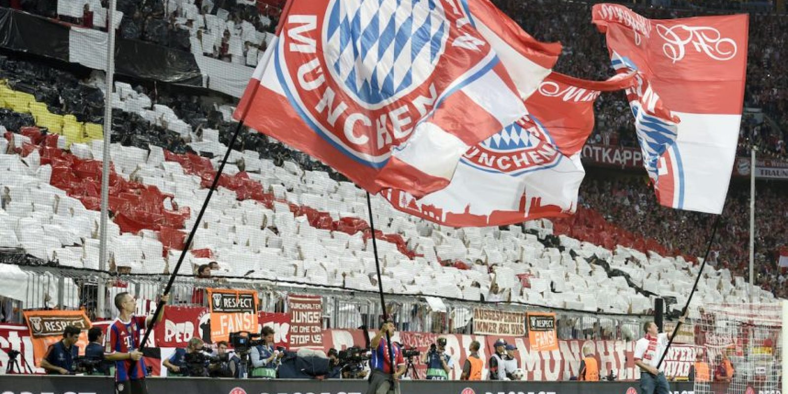1. Bayern Munich: El club bávaro donó un millón de euros para apoyar los campamentos de refugiados sirios que hay en la ciudad de Munich. Foto:Getty Images