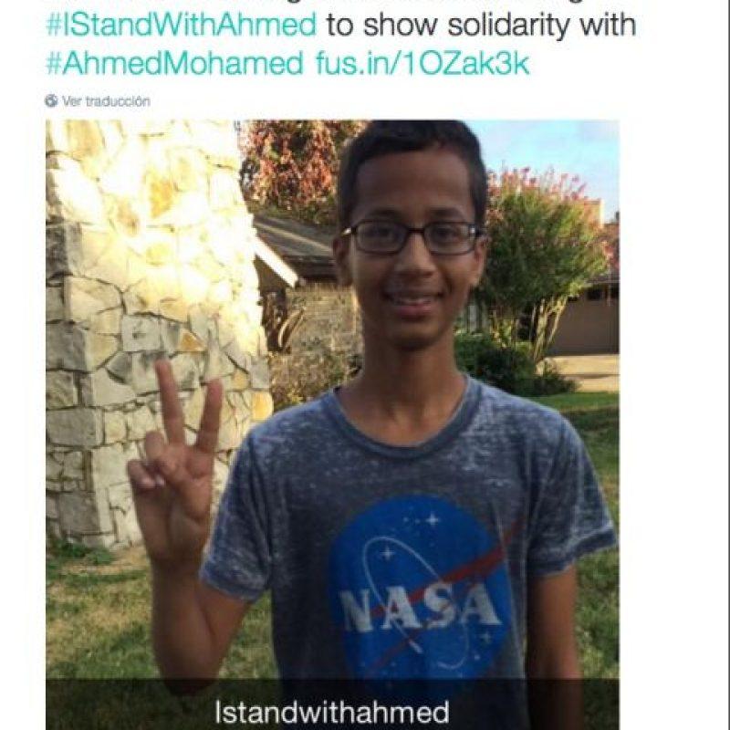 El joven fue arrestado utilizando una camiseta de la NASA Foto:Twitter.com