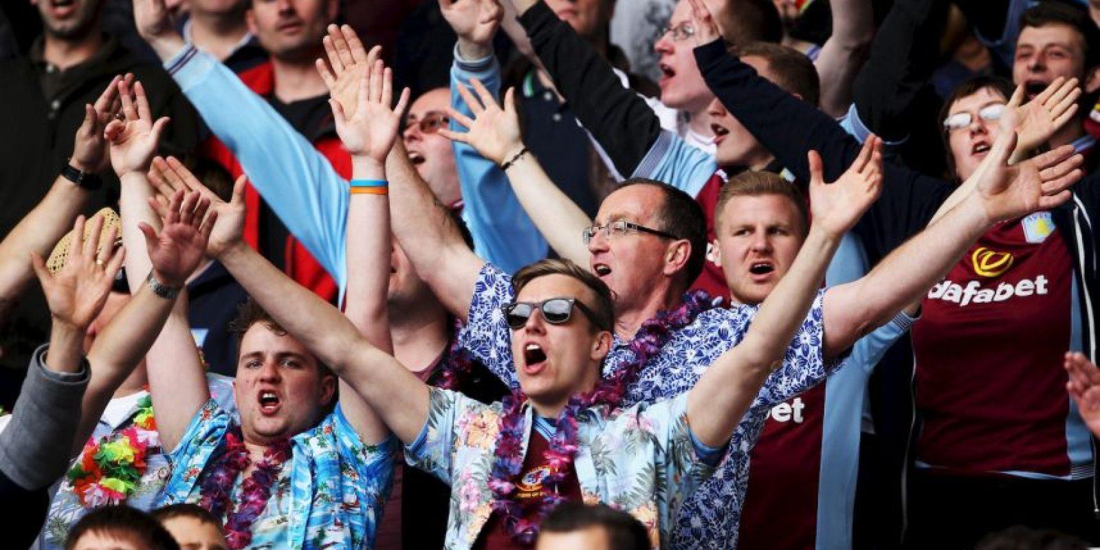 """Este movimiento, llamado """"Refugees Welcome"""" es una iniciativa entre hinchas ingleses que se movilizan a través de las redes sociales para mostrar sus mensajes de apoyo a los refugiados, y la cual está siendo adoptada por varios de los clubes de las distintas divisiones del fútbol británico. Foto:Getty Images"""