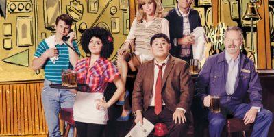 "Nolan Gould, Ariel Winter, Julie Bowen, Rico Rodriguez, Ty Burrell y Jesse Tyler Ferguson revivieron la serie ""Cheers"". Foto:The Hollywood Reporter"