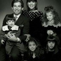 En 1978, el abogado Robert Kardashian y la empresaria Kristen Mary Houghton iniciaron una familia. Foto:vía instagram.com/kimkardashian
