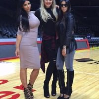 """Además, presenta su vida en familia en el reality show """"Keeping Up with the Kardashians"""", uno de los actuales programas favoritos Foto:vía instagram.com/kimkardashian"""