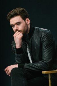 """Richard Madden, quien interpreta a """"Robb Stark"""" en la serie aseguró recientemente que Cara """"parecía una ingrata"""" Foto:Getty Images"""