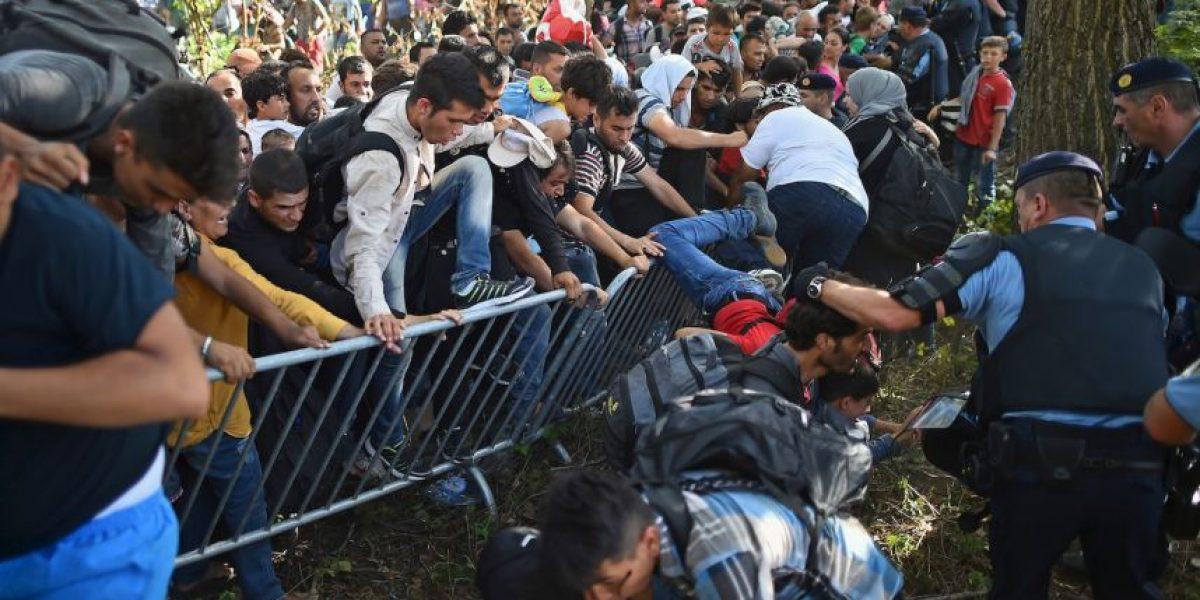 Frustración y desesperación: 15 imágenes de refugiados que intentan entrar a Europa