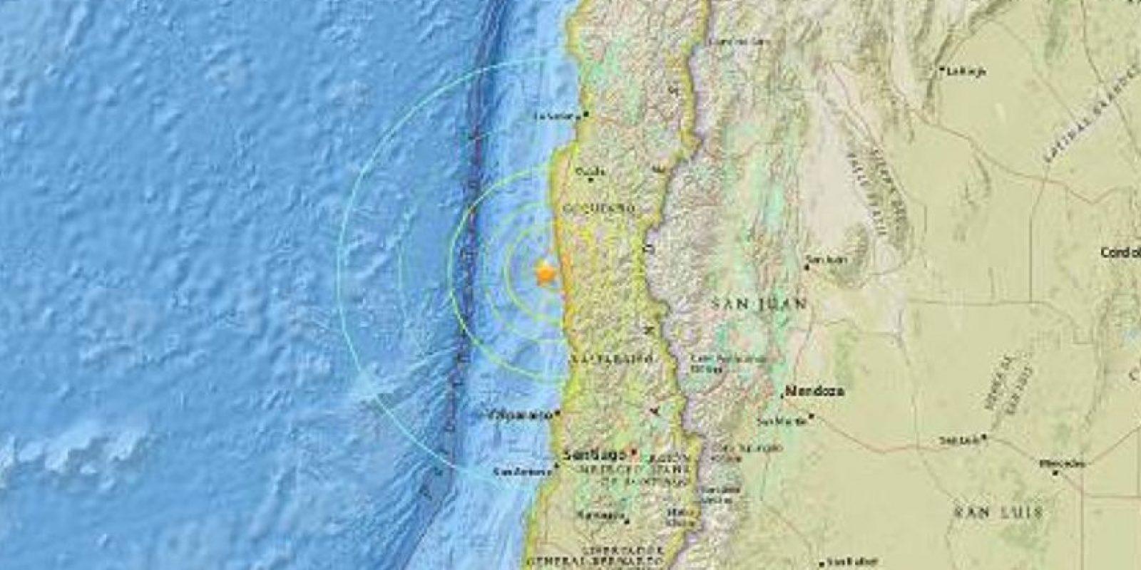 Hay alerta de tsunami en toda la costa de Chile. Foto:vía AFP