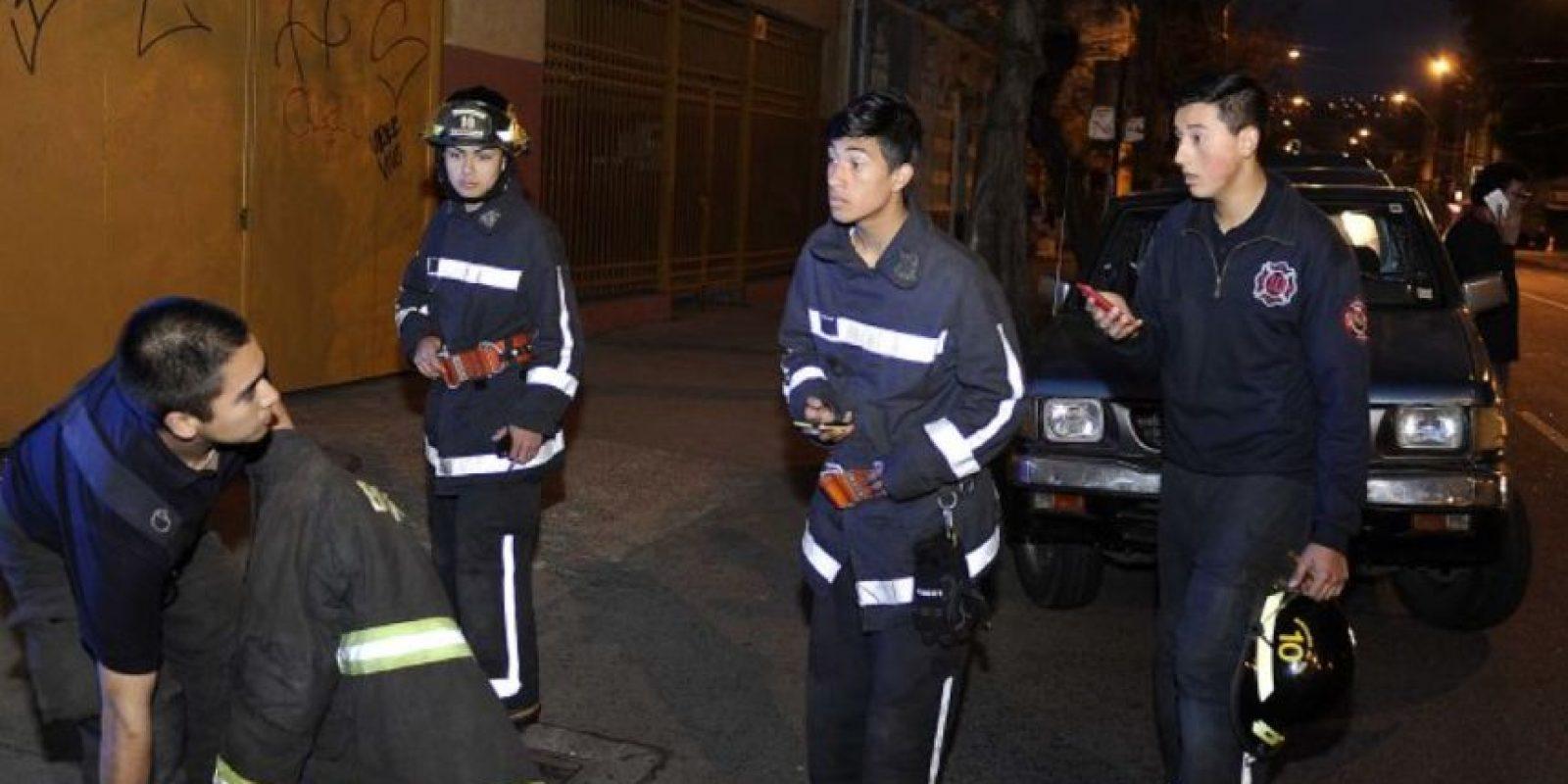 En Valparaíso la gente ya fue evacuada por los guías de seguridad. Foto:vía Agencia Uno/Publimetro Chile