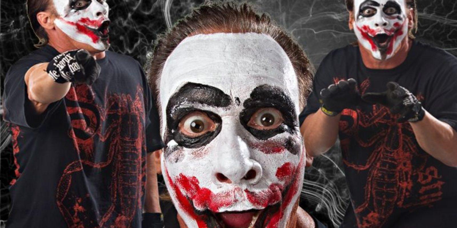 Con la cara pintada similar al villano de Batman Foto:WWE