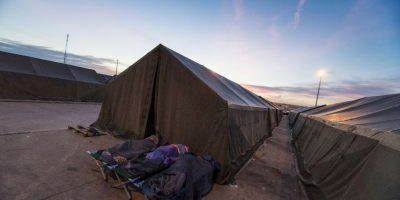 Migrantes en campamento de Austria. Foto:AFP