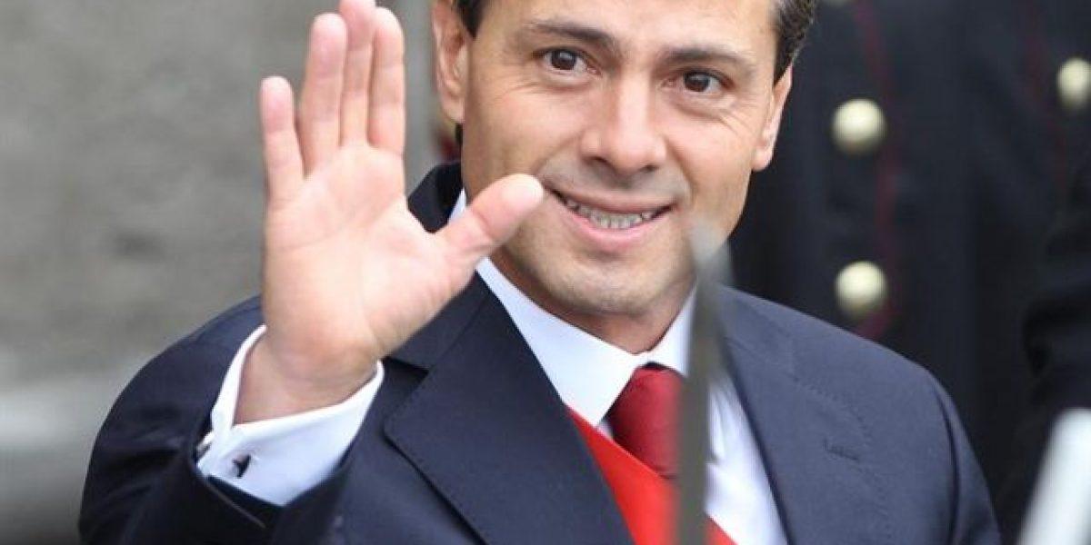 Peña Nieto promete a familiares de muertos en Egipto ayuda para repatriación