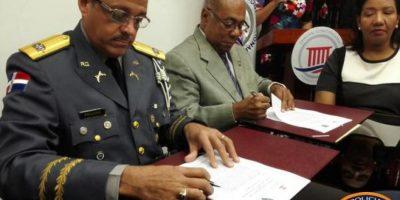 Jefatura PN y Tribunal Constitucional firman acuerdo de asesoría recíproca