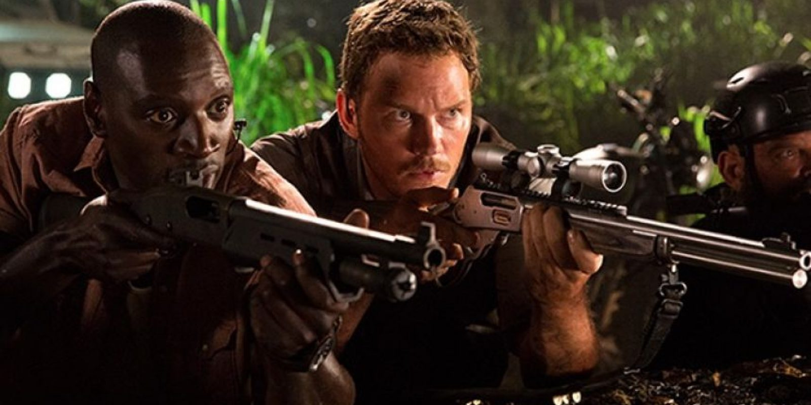 8. Cuando el personaje de Chris Patt se enfrenta a los velociraptors, deja su rifle en el suelo y unos instantes después ya lo tiene de nuevo en la mano. Foto:Universal Pictures