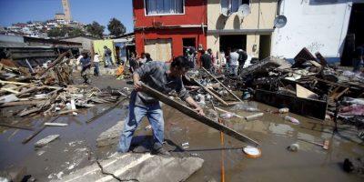 Una víctima del tsunami en la localidad de Los Vilos. Foto:AP