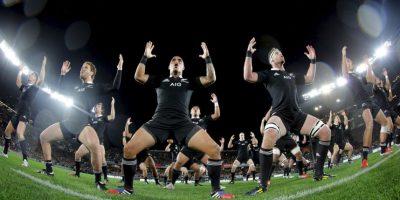 Antes de cada partido, los integrantes de la selección de Nueva Zelanda hacen este baile tradicional como una manera de honrar a su rival. ¡Wow! Foto:Getty Images