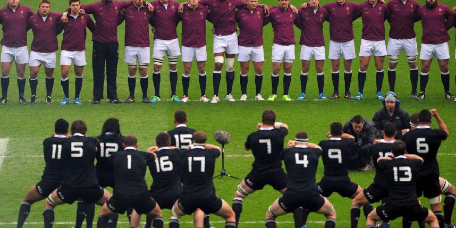 """Aceptémoslo. La mayoría de la gente que no sigue al rugby, tiene alguna noción de este deporte gracias a los neozelandeses y a su tradicional """"haka"""". Foto:Getty Images"""