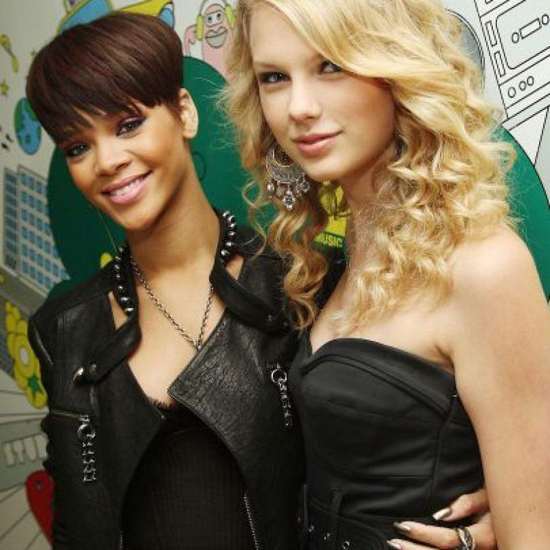 """¿La razón? La originaria de Barbados aseguró que """"Taylor es un modelo a seguir"""", ella no. Foto:Getty Images"""