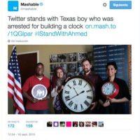 Muestras de apoyo posando con relojes. Foto:vía Twitter