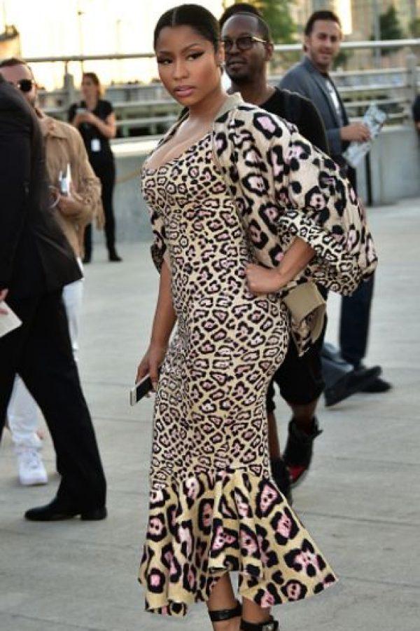 Si Nicki se fuera así a una reserva en Kenia es seguro que le ponen chip de seguimiento. ¿Se puede poner más estampado de leopardo? Foto:vía Getty Images