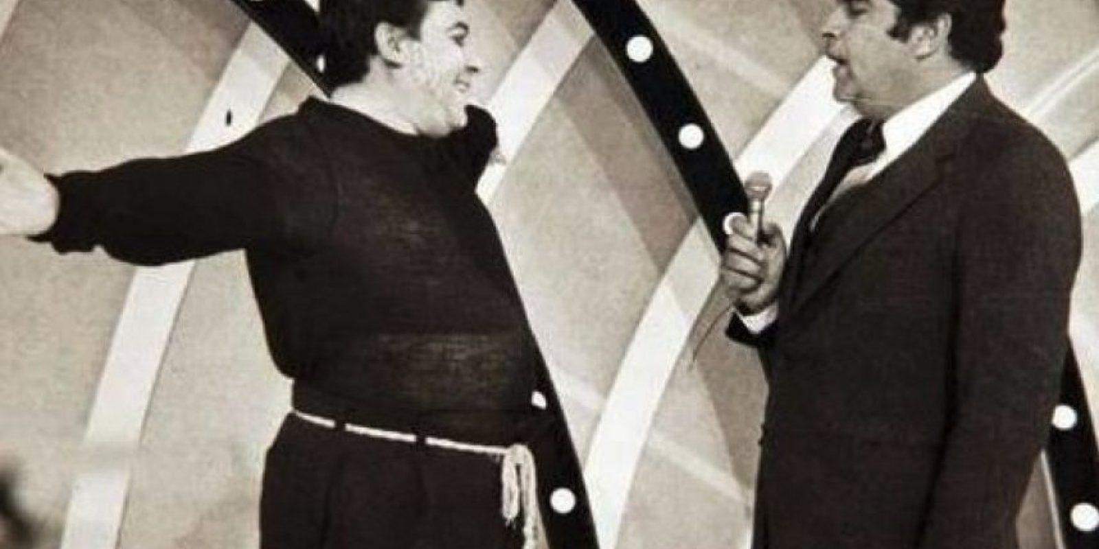 """El cantante Armano Navarrete dio vida al personaje """"Mandolino"""", quien interpretaba junto al conductor el tema """"¡Oiga Don Francisco!"""". Foto:Vía Twitter.com/Sabadogigante"""