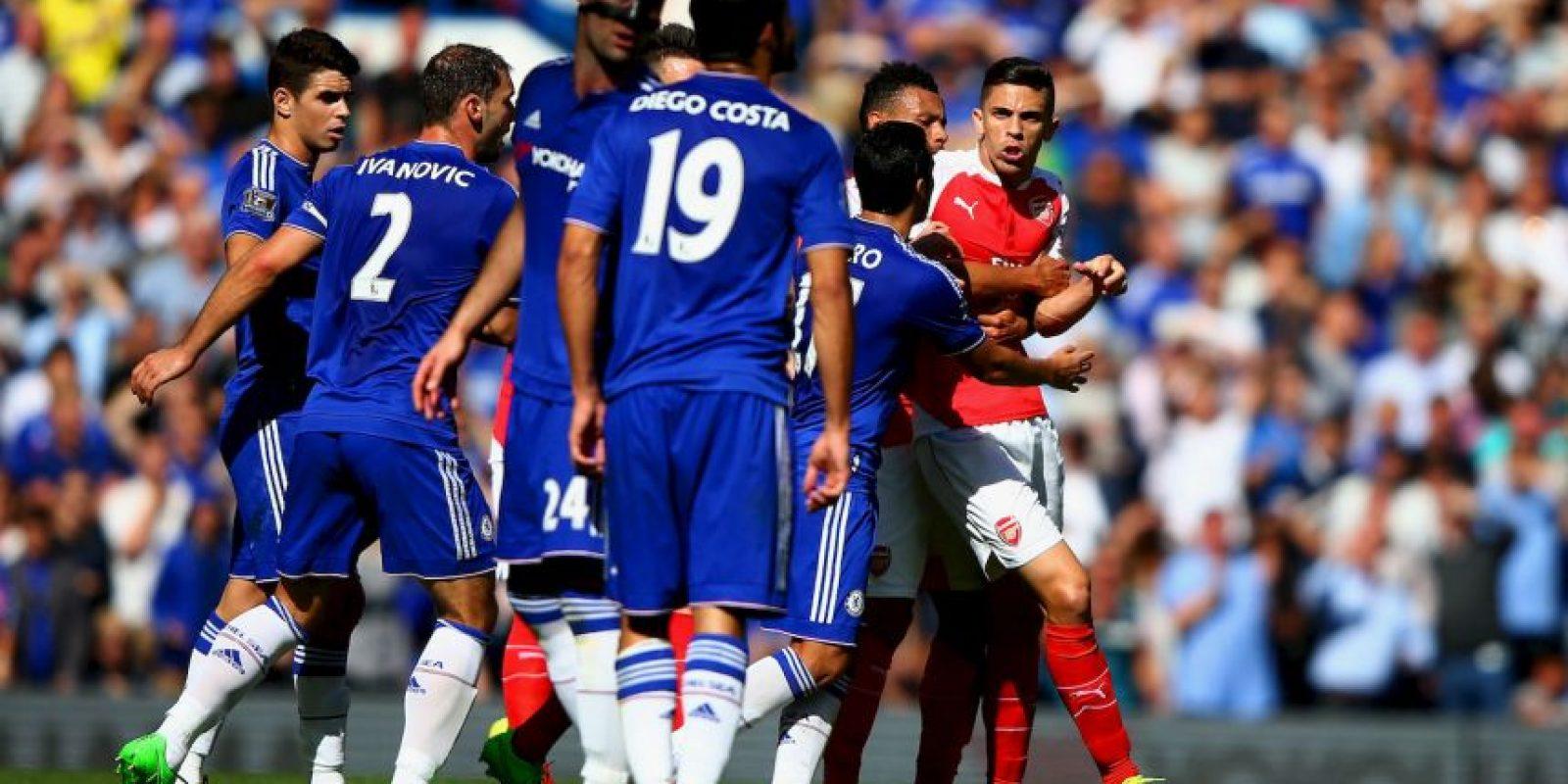 """Además, los """"Gunners"""" se quedaron con 10 hombres tras la expulsión de Gabriel Paulista, quien había tenido roces con Diego Costa. Foto:Getty Images"""