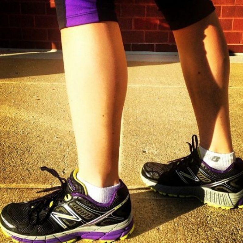 """Un """"runner"""" usa zapatos especiales, dependiendo de su tipo de pisada. Estos zapatos se dividen en """"neutral"""", """"stability"""" y """"motion control"""", dependiendo de las necesidades de quien los usa. Foto:Vía instagram.com/explore/tags/running"""